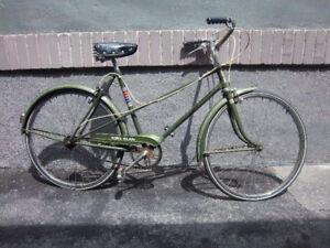LADIES SHOPPING/TOURING BICYCLE