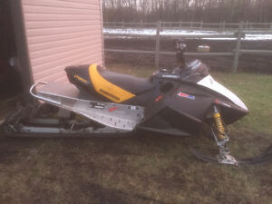 2003 Summit Sport 800 with electric start and reverse