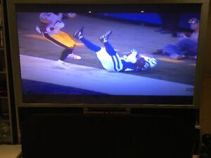 "57"" Hitachi projector TV.  HD ready Oakville / Halton Region Toronto (GTA) image 1"