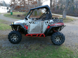 2011 rzr 800 lots of extras