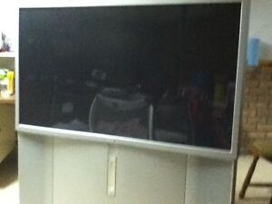 SONY 51 INCH HIGH DEFINITION TELEVISION