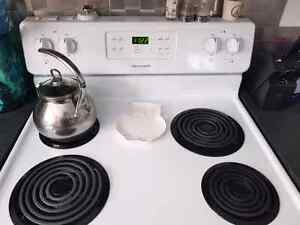 White coil top stove