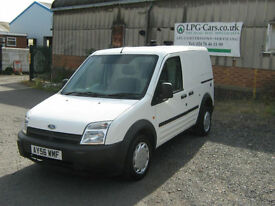 Ford TRANSIT CONNECT L200 BI-FUEL LPG Autogas Dog Van