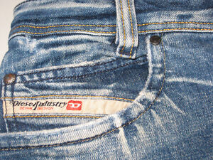 """JEANS """"DIESEL PADDOM"""" TAILLE 30"""