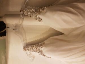Wedding dress for sale $400