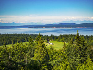 Spectacular Panoramic Views and 6 Bdrm Home on 1.99 Acres!