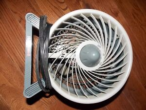 Tabletop 3 speed fan Cambridge Kitchener Area image 1