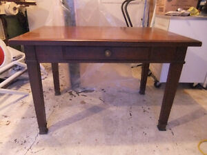 beautiful vintage solid oak small dining table or large desk
