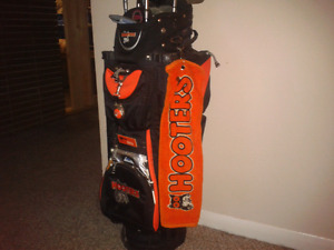 Hooters golf bag