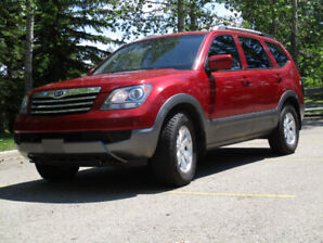 2009 KIA BORREGO LX 7 PASS.  -  MUST BE SEEN!