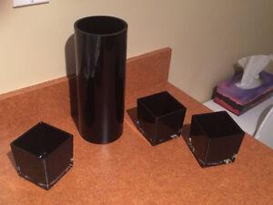 Articles déco (bols et vase) NEUFS - 15$ pour les 4