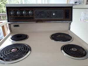 Admiral Electric stove for your cottage