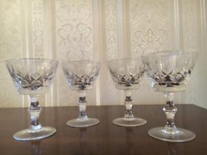 Four Cross and Olive crystal dessert dishes