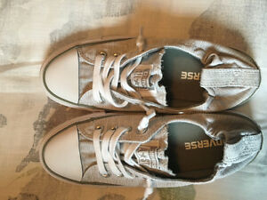 Brand New Converse Shoes size 6