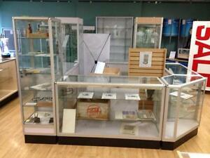 Showcases and counters