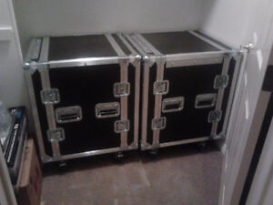 12 SPACE SHOCK MOUNT SOUND SYSTEM ROAD CASE