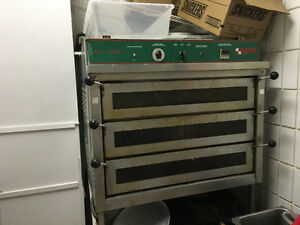 Commerical Pizza Oven FOR SALE. OFFERS