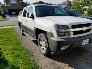 2006 Chevy Avalanche Warranty, Fully Loaded, Leather Seats