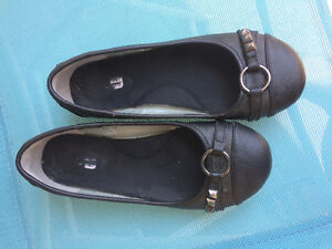 Girls size 2 black dress shoe flat