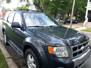 2009 Ford Escape Limited Edition V6 4WD Fully Loaded