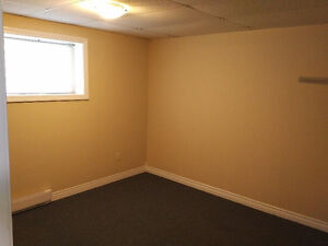 Large 3 Bed Apt next To UNB/Stu For May,June,July And August!