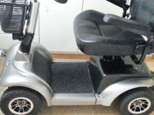 MINT Scooter by DRIVE MEDICAL new 50 ah batteries $1500