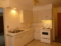 Lacombe 2BR in Quiet Adult Building
