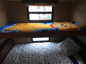 2014 32ft Puma with bunkhouse in excellent condition
