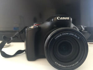 Canon SX30 IS + SD card + Charger + Bag