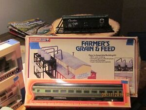 LARGE ASSORTMENT OF H.O. SCALE USED AND NEWER... London Ontario image 1