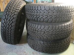 4 pneus d'hiver sur jante / four winter tires on rim