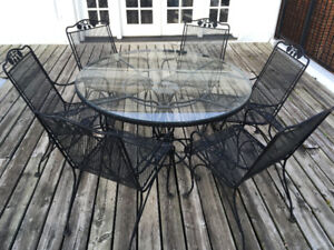 *Dining Table Set -Glass Table set in Metal Frame and 6 Chairs!*