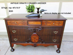 ANTIQUE ORNATE 3 DRAWER DRESSER/SIDEBOARD