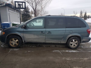 2006 Dodge Grand Caravan with stow and go seating