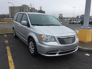 Chrysler Town & Country Fourgonnette, fourgon