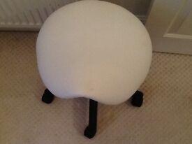 Beauticians stool
