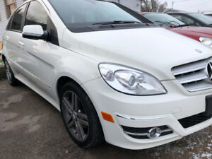 Mercedes B200/Certified/Leather Heated Seats/Panoramic Roof/Aloy