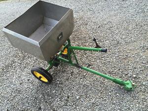 Pull behind fertilizer spreader in good working condition