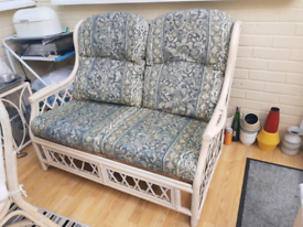 Two-seater wicker sofa seat indoor furniture summer house conservatory