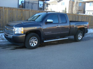 2011 Chevrolet C/K Pickup ,LOW, Low, KM's, no accidents, clean a