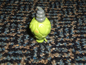 Pokemon A BURMY / CHENITI Figurine Green VERY RARE Kingston Kingston Area image 3