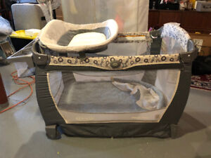 Infant Crib - Almost new