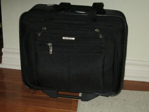 Carry on Samsonite Luggage Bag