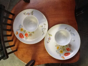Lunch/snack plates with cups London Ontario image 2