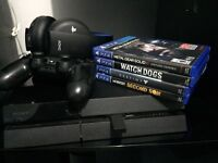PlayStation 4 - wireless gold headset - one controller - 4 games