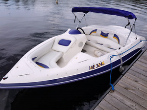 Jetboat Craze 120 hp Mercury included a new trailer