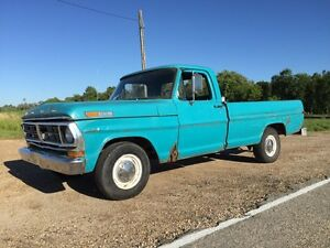 1972 FORD  F100 Custom 1/2 ton pickup truck
