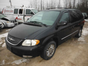 2003 TOWN & COUNTRY.. JUST IN FOR PARTS AT PIC N SAVE! WELLAND