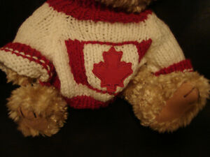 """Brass Button Bear Legendary Collection """"Clay"""" THE CANADA BEAR Belleville Belleville Area image 3"""