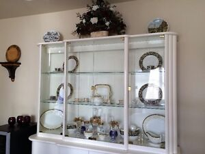 Italian buffet and hutch - excellent condition